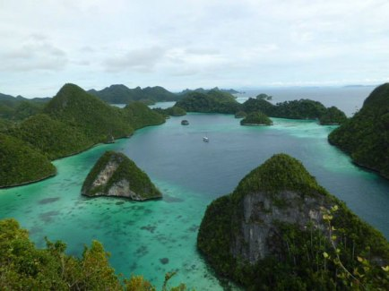 the-raja-ampat-expedition-view-indo-ocean-project